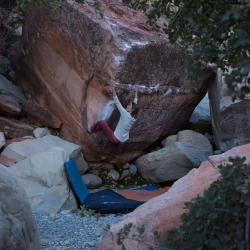 ""\""""The Red Dragon"""", V7""250|250|?|en|2|482dd5e6be3f46aee6afcc0dfc23f74f|False|UNLIKELY|0.2856591045856476
